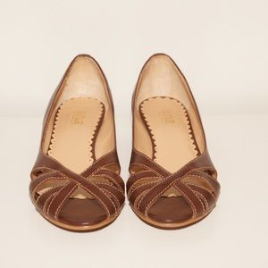 a.n.a. 8.5M brown leather  low wedge open toe shoe